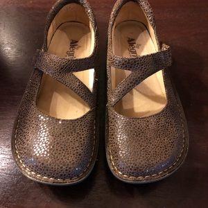 Algeria leather shoes